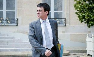 Manuel Valls à la sortie du conseil des ministres, le 23 mai 2012.