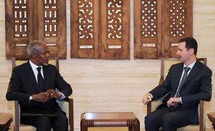 """Le président syrien Bachar al-Assad a dit samedi à l'émissaire international Kofi Annan que tout dialogue était voué à l'échec tant que les """"groupes terroristes"""" ne seront pas éliminés, en allusion aux rebelles dont le bastion d'Idleb était violemment bombardé par l'armée."""