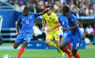 Paul Pogba lors du match France-Roumanie, en ouverture de l'Euro 2016, le 10 juin au Stade de France.