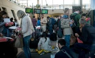 Des passagers d'Eurostar bloqués le 2 septembre 2015 à la gare de Calais-Frethun