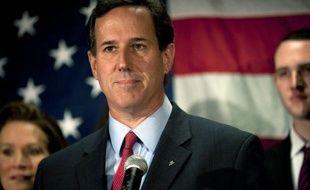 Le candidat ultraconservateur Rick Santorum a annoncé mardi qu'il se retirait de la course républicaine à la Maison Blanche, ouvrant la voie à Mitt Romney pour affronter le président sortant Barack Obama en novembre.