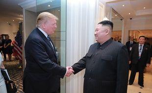 Le président américain Donald Trump et le leader coréen Kim Jong-un lors de leur rencontre à Hanoï, au Vietnam, le 28 février 2019.