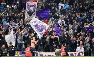 Des supporters du TFC lors d'un match de Ligue 1 contre Metz, le 8 novembre 2014 au Stadium de Toulouse.
