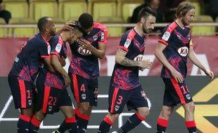 Les Girondins fêtent un but inscrit par Adam Ounas à Monaco le 1er avril 2016.