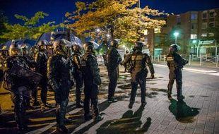 Gendarmes déployés le 5 juin 2015 dans le quartier de la Bourgogne à Tourcoing