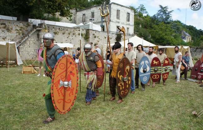 La troupe Les Ambiani en démonstration