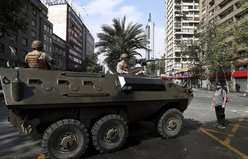 Chili : Affrontements entre manifestants et forces de l'ordre à Santiago