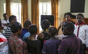 Des survivants de violences sexuelles lors d'une séance de thérapie à l'hôpital Panzi à Bukavu, le 18 mars 2015