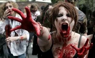 Des étudiants déguisés participent au plus grand rassemblement de zombies au monde à Sydney, Australie, le 22 septembre 2007.