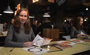 Originaire du Sungdau, Sandra Willauer vit désormais à Strasbourg, et travaille dans des locaux situés à Rosheim, également dans le Bas-Rhin.
