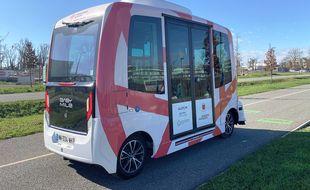 La navette autonome EasyMile qui va être expérimentée sur le site de l'Oncopole de Toulouse.