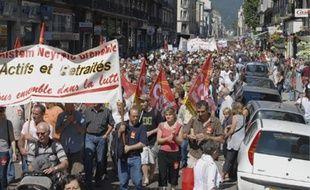 Une foule très dense a défilé entre la gare et la préfecture pour défendre les retraites.