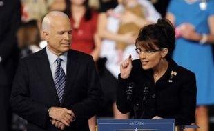 Le candidat républicain à la Maison Blanche John McCain a choisi l'audace vendredi, quelques heures seulement après le discours d'investiture de son adversaire démocrate Barack Obama, en choisissant Sarah Palin une femme peu connue comme colistière.
