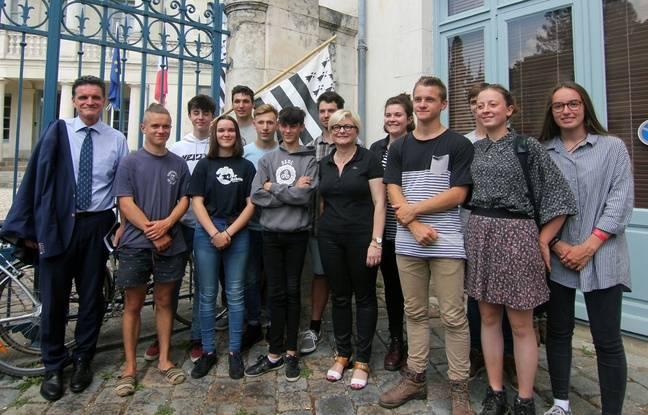 Des lycéens et collégiens ont passé certaines épreuves en breton, malgré la menace de ne pas être corrigé.