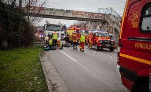 Lundi, un motard est décédé à Marseille.