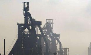 La direction d'ArcelorMittal a annoncé lundi en comité central d'entreprise (CCE) la fermeture définitive des hauts-fourneaux de Florange, à l'arrêt depuis 14 mois, et laisse 60 jours au gouvernement pour trouver un repreneur.