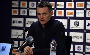 Willy Sagnol lors de sa dernière conférence de presse en tant qu'entraîneur des Girondins, le 12 mars 2016 à Toulouse.  AFP PHOTO/ PASCAL PAVANI