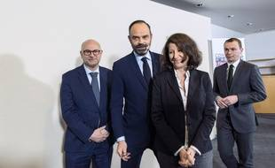 Laurent Pietraszewski, Edouard Philippe, Agnes Buzin et Olivier Dussopt.
