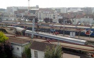 Plan large de la gare de Brétigny-sur-Orge, où un train a déraillé le vendredi 12 juillet 2013 (photo de Landry Bizimungu, internaute de 20 Minutes).