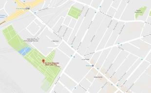 Un jeune homme de 18 ans a été agressé en pleine nuit dans le parc Martin-Luther-King à Paris (17e), dans la nuit de dimanche à lundi.