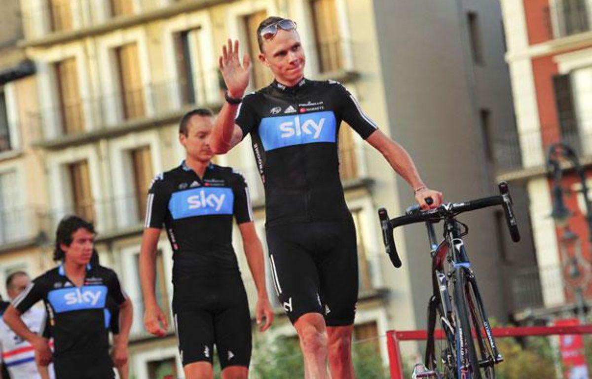 L'équipe Sky derrière son leader Christopher Froome, le 17 août 2012 – Alvaro Barrientos/AP/SIPA
