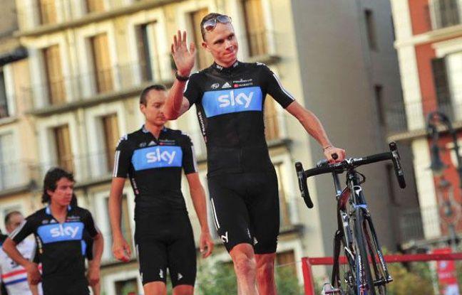 L'équipe Sky derrière son leader Christopher Froome, le 17 août 2012