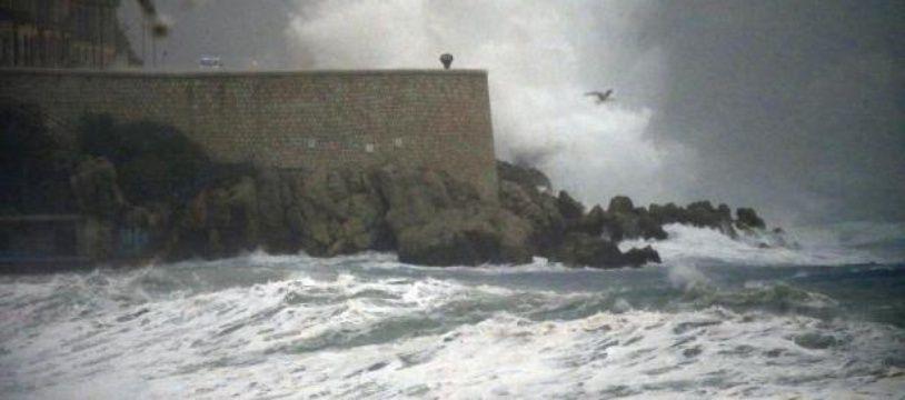 Des vagues à Nice, le 4 novembre 2014