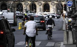 Des cyclistes à Paris, le 23 septembre 2020.