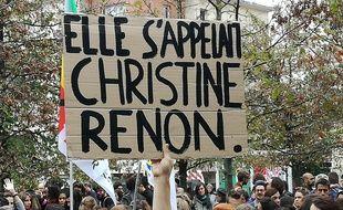 Profs d'école, directrices et directeurs ont manifesté ce jeudi à la mémoire de Christine Renon
