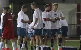 Les joueurs de la Norvège ont porté un maillot avec une inscription demandant le respect des droits humains au Qatar avant leur match de qualification, le 24 mars 2021 à Gibraltar.