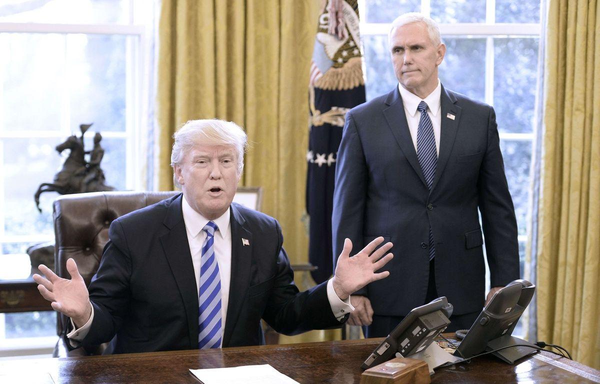 Donald trump et mike pence à la maison blanche le 24 mars 2017 shutterstock