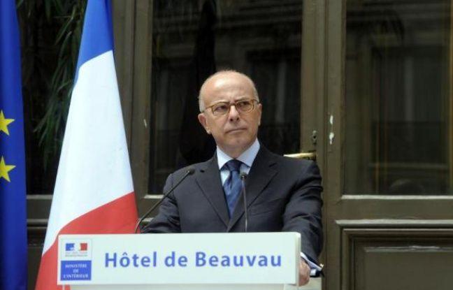 Le ministre de l'Intérieur Bernard Cazeneuve donne une conférence de presse, le 2 août 2014 à Paris