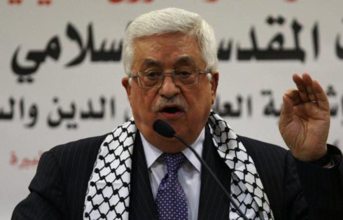 """Le président palestinien, Mahmoud Abbas, a accusé dimanche Israël de la """"mort"""" du processus de paix, à quelques jours d'une rencontre prévue entre le négociateur palestinien Saëb Erakat et la secrétaire d'Etat américaine Hillary Clinton. – Abbas Momani afp.com"""