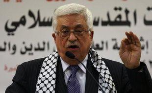 """Le président palestinien, Mahmoud Abbas, a accusé dimanche Israël de la """"mort"""" du processus de paix, à quelques jours d'une rencontre prévue entre le négociateur palestinien Saëb Erakat et la secrétaire d'Etat américaine Hillary Clinton."""