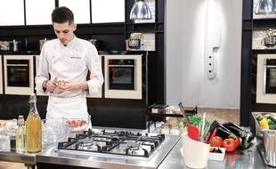 Adrien Zedda, candidat de l'émission Top Chef 2021, va offrir 100 repas aux étudiants de Lyon pour la Saint-Valentin.