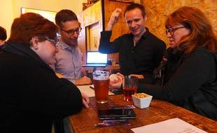 A l'heure de l'apéro, les expériences scientifiques sont de sortie dans les bars de Nice.
