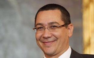 Le Premier ministre roumain Victor Ponta s'est rendu jeudi à Bruxelles pour assister au Conseil européen, malgré un avis de la Cour constitutionnelle qui a décidé qu'il appartenait au président Traian Basescu d'y participer.