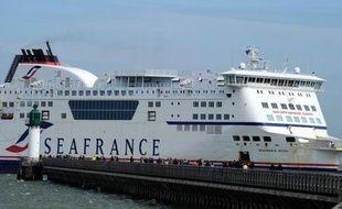 """Le ministre des Transports Thierry Mariani a accusé vendredi le syndicat CFDT de SeaFrance de porter """"une très lourde responsabilité"""" si aucune solution n'est trouvée pour sauver la compagnie de ferries, actuellement en liquidation judiciaire."""