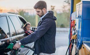 Les prix à la pompe peuvent dorénavant être exprimés pour 100 km, en plus du tarif au litre.