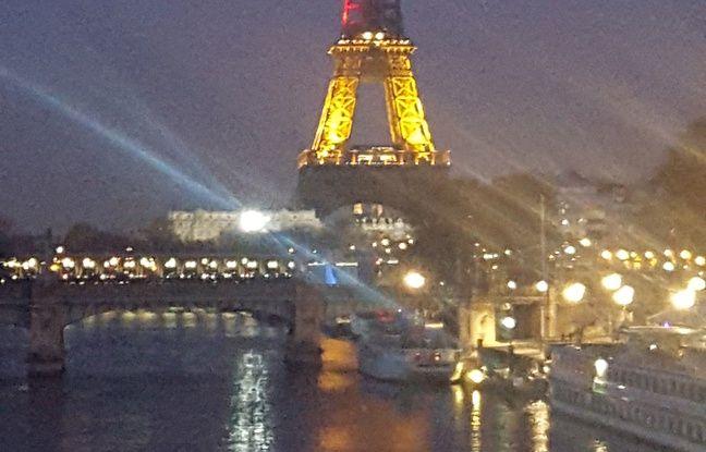 La tour Eiffel aux couleurs de la Belgique.