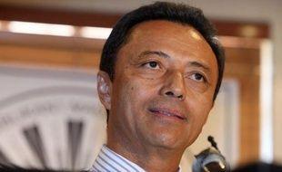 L'avion qui devait ramener au pays l'ancien président malgache Marc Ravalomanana après près de trois ans d'exil a dû faire demi-tour et rentrer à Johannesburg samedi, l'espace aérien malgache lui ayant été interdit.