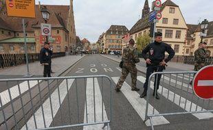 VIDEO. Attentat à Strasbourg: Comment l'auteur des tirs a-t-il pu entrer dans le marché de Noël? (Archives)