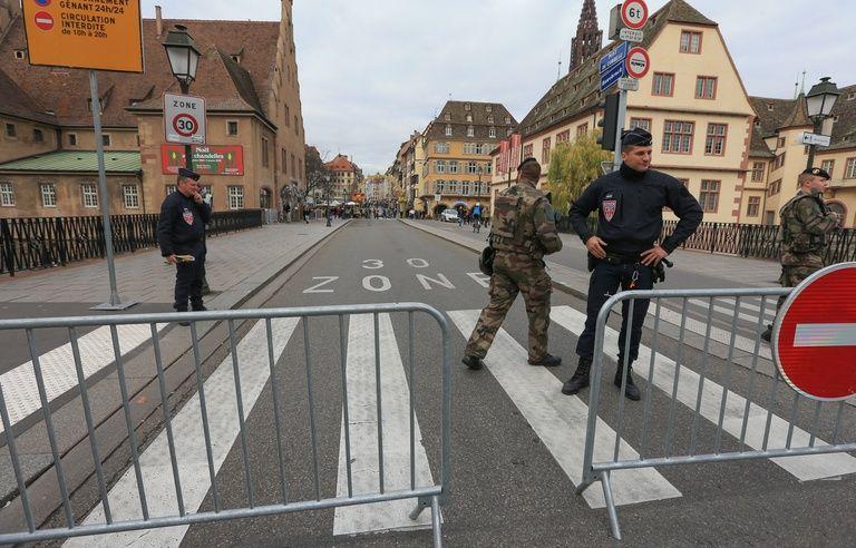 VIDEO. Attentat à Strasbourg: Comment l'auteur des tirs a-t-il pu rentrer dans le marché de Noël (Archives)