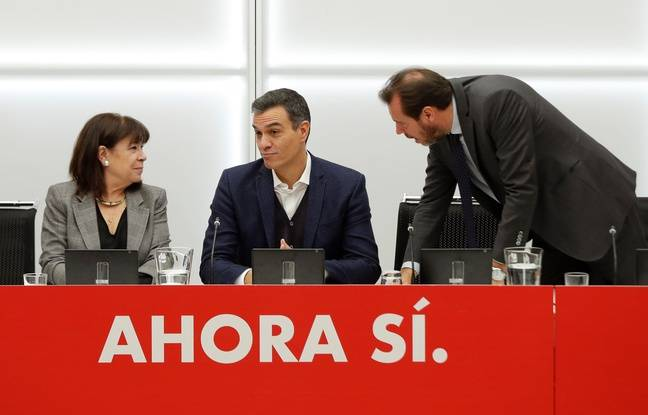 Pedro Sanchez, au centre, le premier ministre sortant, du PSOE a remporté les législatives en Espagne dimanche 10 novembre 2019.
