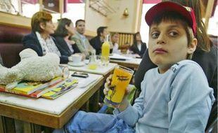Dans le Rhône, un seul centre spécialisé accueille les jeunes autistes comme Lucas.