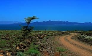 Pêcheurs, éleveurs et autres habitants du pourtour du Lac Turkana, au Kenya, suivent avec angoisse la construction, à quelques centaines de km plus au nord en Ethiopie voisine, d'un méga-barrage qui portera un coup fatal, disent-ils, à leur lac classé au patrimoine de l'Humanité.