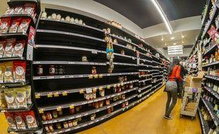 Depuis les annonces, les supermarchés sont pris d'assaut