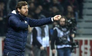 André Villas-Boas ne comprend pas pourquoi ses joueurs ont été autant sanctionnés à Lille.