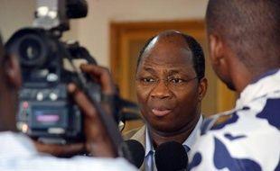 """Le pouvoir malien et les rebelles touareg occupant Kidal, dans le nord du Mali, ont planché dimanche sur un """"projet final"""" d'accord mis au point en vue de la présidentielle en juillet, sur lequel la médiation attendait la réaction des deux camps."""