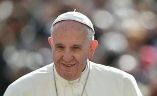Le pape François lors d'une audience générale hebdomadaire au Vatican, le 13 avril 2016